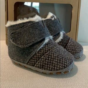 Toms Cuna baby shoes